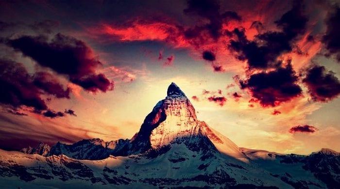 Zermatt vs Cervinia: Which Is the Better Ski Resort?